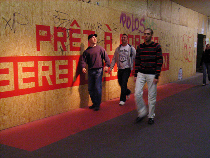 http://heikehamann.de/files/gimgs/78_pret-a-porter1-participatory-interventions-heike-hamann.jpg