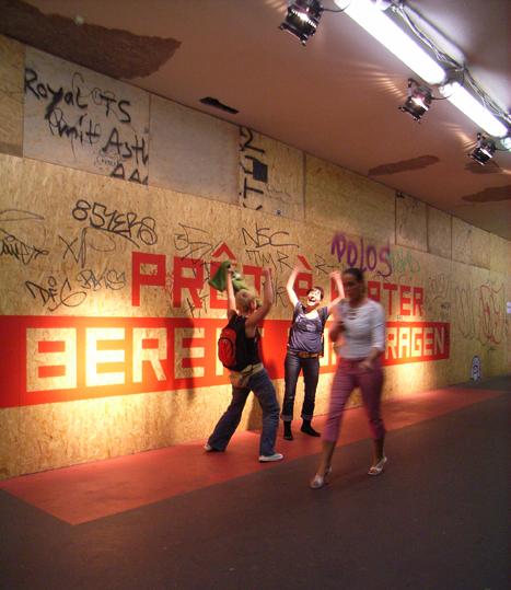 http://heikehamann.de/files/gimgs/78_pret-a-porter11-participatory-interventions-heike-hamann.jpg